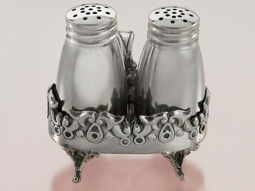 Salz und Pfeffer Streuer im Halter Silber