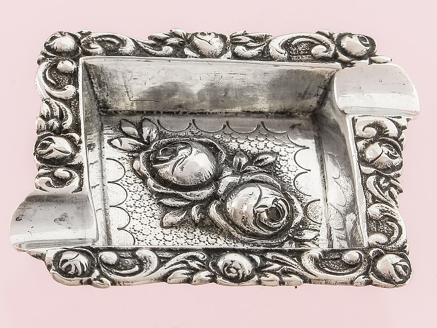 Very small Ashtray Rose Pattern Silver