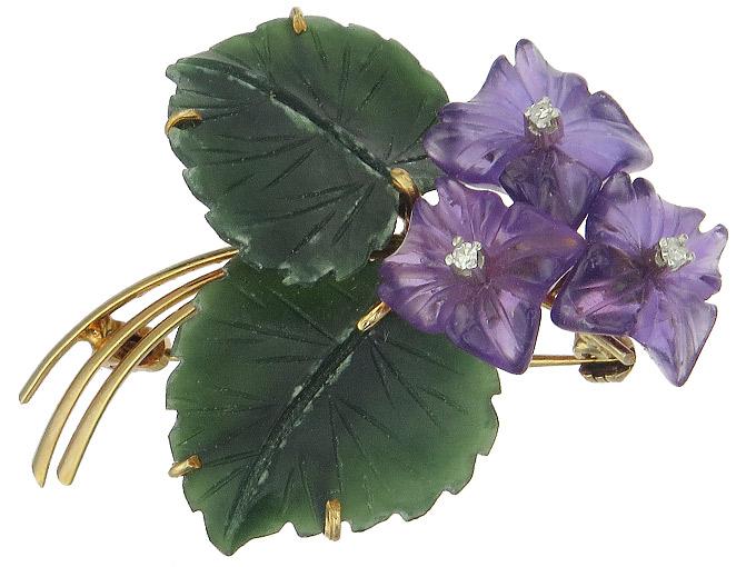 Violet Brooch Amethyst Nephrite Diamonds 14 Karat Yellow Gold around 1960