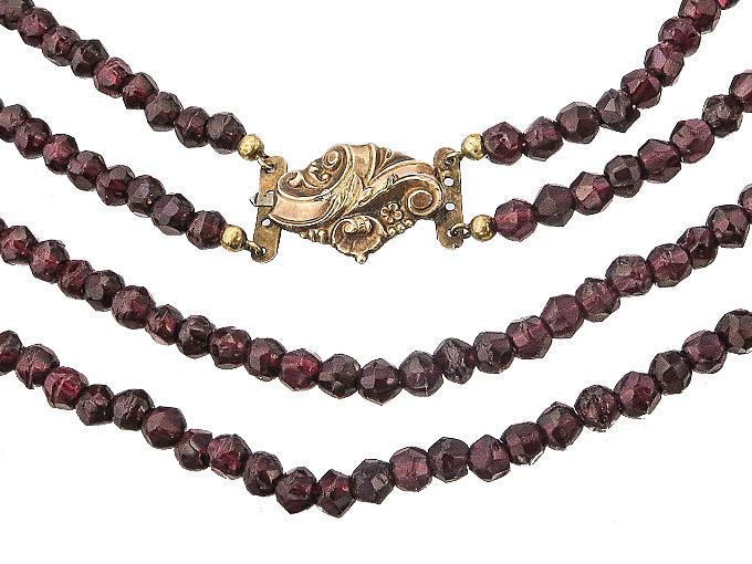 Collier Antique Garnet around 1890