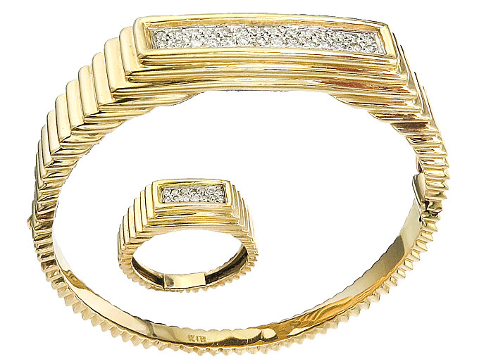 Jewelry Set Two-Piece Diamonds 18 Karat Yellow Gold