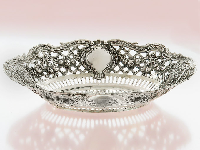 Oval Bowl of Roses Ornamentation 800 Silver