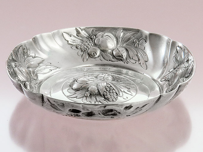 Offering Bowl Rose Hip Ornaments 800 Silver