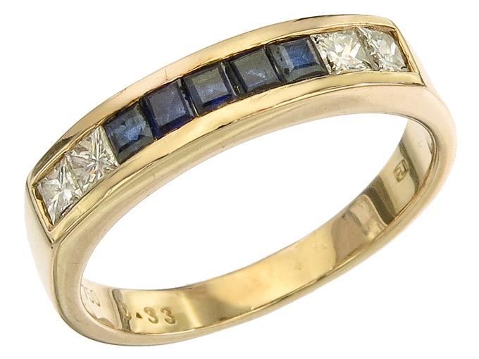 Ring Sapphire Princess Cut Diamonds 18 Karat Yellow Gold