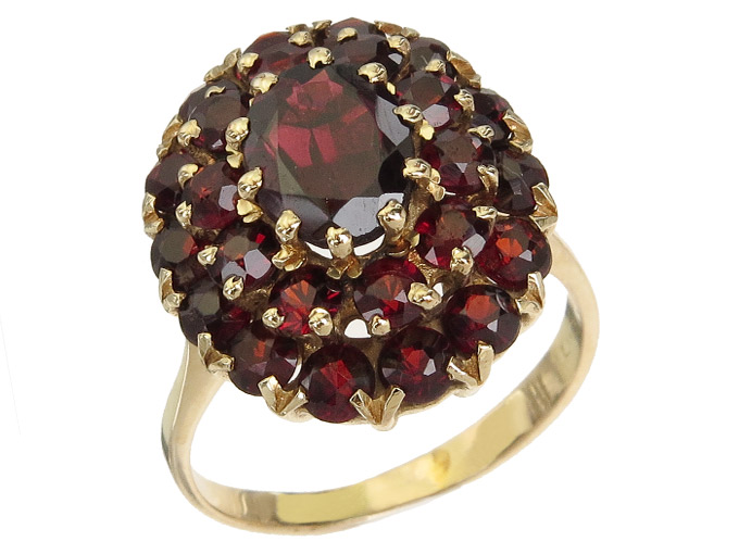 Ring Garnets 14 Karat Yellow Gold