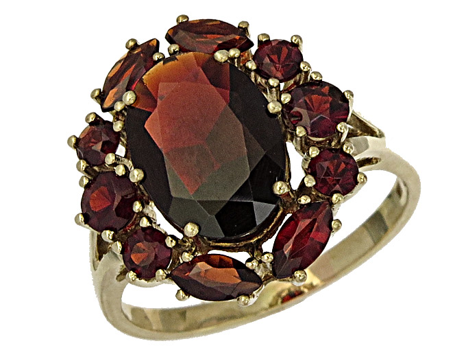 Ring Garnets 8 Karat Yellow Gold