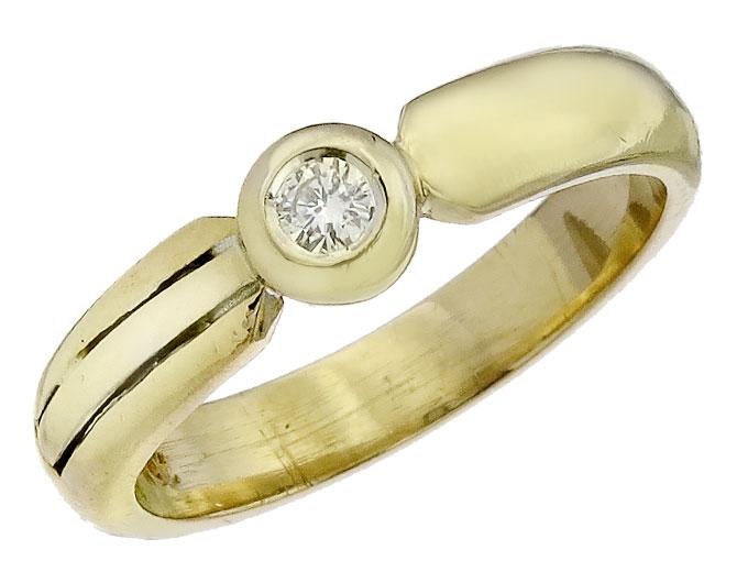 Ring Solitaire Diamond 18 Karat Yellow Gold