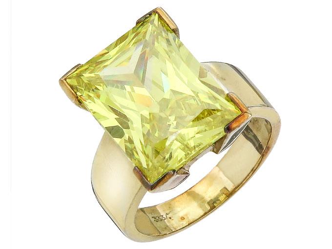 Ring Synthetic Zirconia 8 Karat Yellow Gold