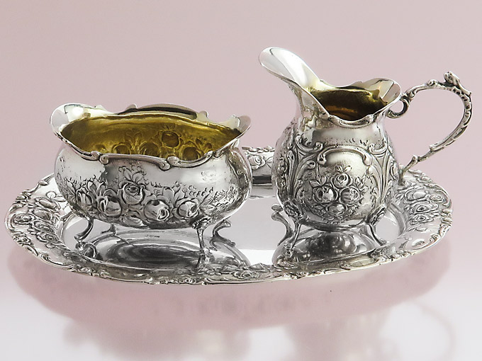 Milk and Sugarset on Tray of 800 Silver