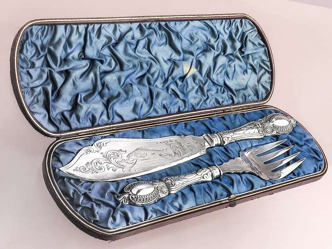 Serving Cutlery fish in original box probably England before1900