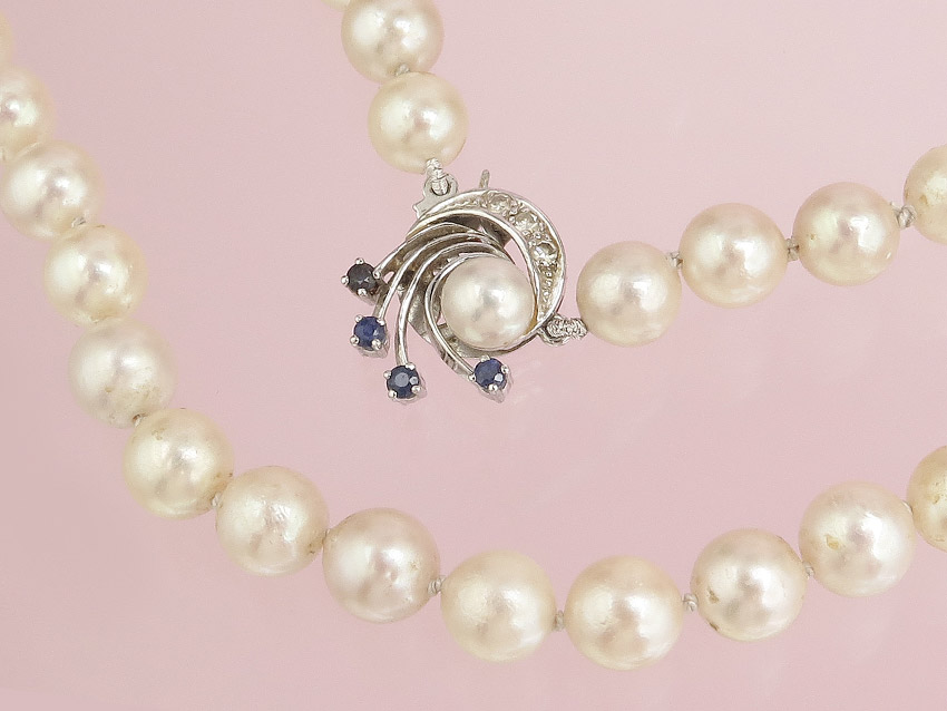 Pearl Necklace Sapphires 14 Karat White Gold