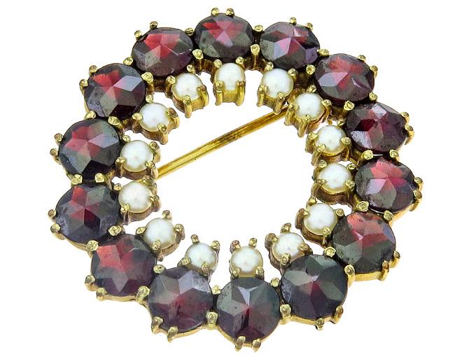 Brosche Granat Perlen 333er Gelbgold