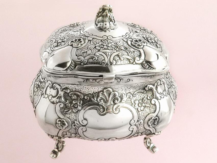 Zuckerdose Schatzdose Deckeldose Handarbeit Hanau vor 1900 Silber