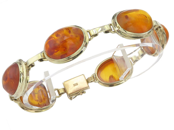 Bracelet Amber 8 Karat Yellow Gold