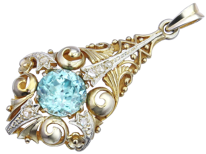 Pendant Starlit Blue Zircon 14 Karat Gold Art Deco around 1920