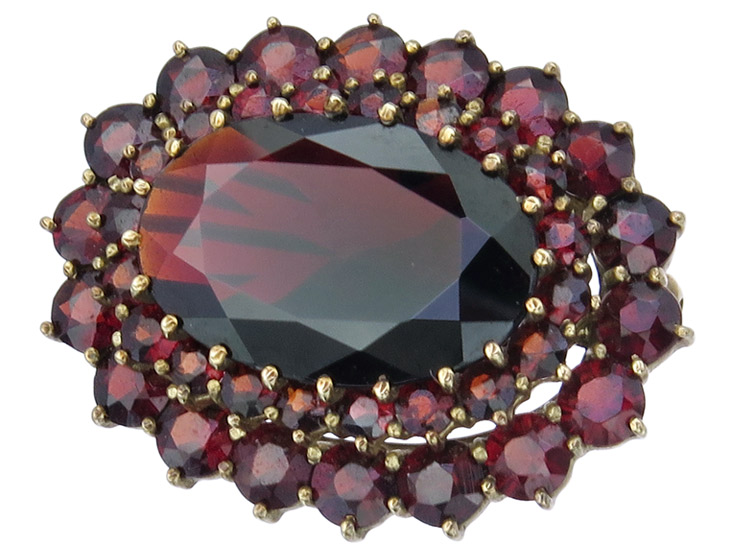 Brooch Garnets 8 Karat Yellow Gold