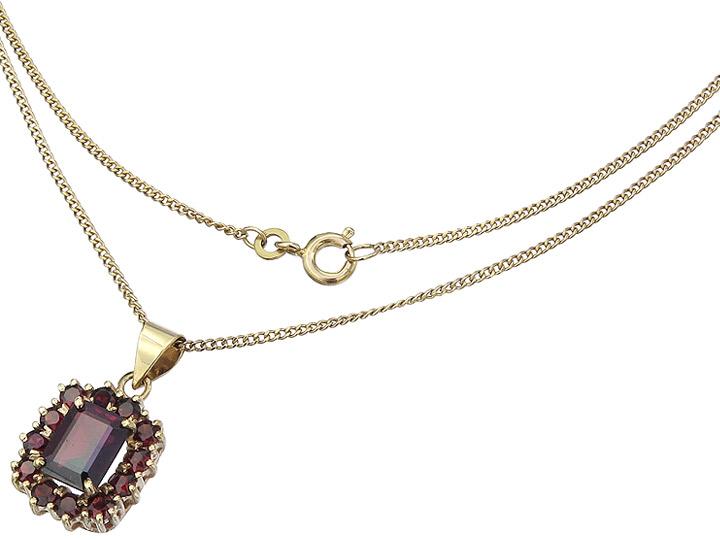 Necklace with Pendant Garnets 8 Karat Yellow Gold