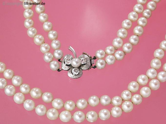 "Perlenkette ""Kleeblatt"" Altschliff Diamanten total ca. 0,66 Weißgold"