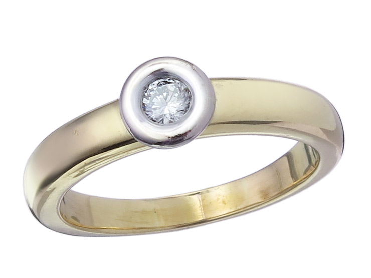 Solitaire Ring Diamond 18 Karat Yellow and White Gold