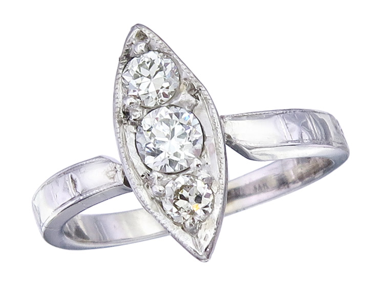Ring Diamonds 14 Karat White Gold Retro 1930-40