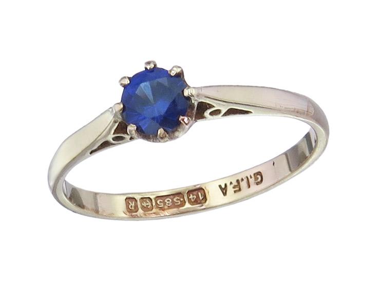 Ring Sapphire 14 Karat Yellow Gold England Antique 14 Karat Rose Gold