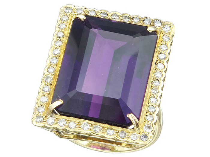 Ring Amethyst Diamanten 750er Gelbgold Box