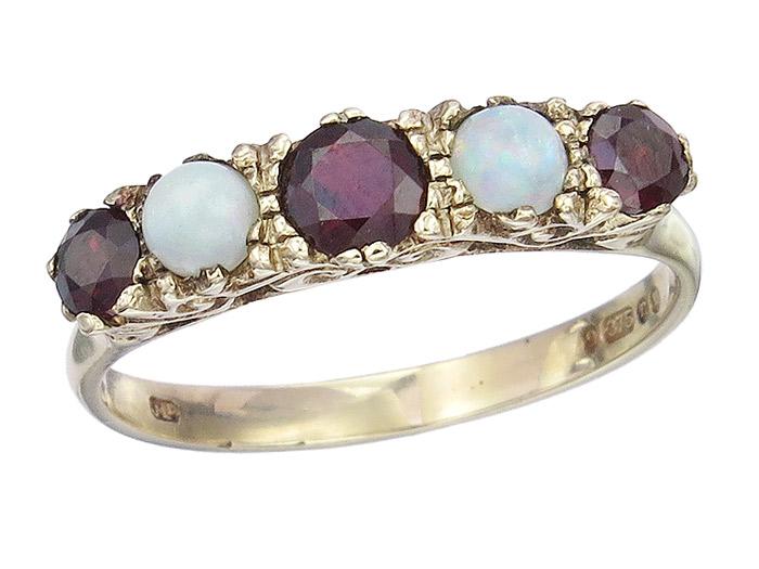 Ring Antik Opale Granat 375er Gelbgold um 1920