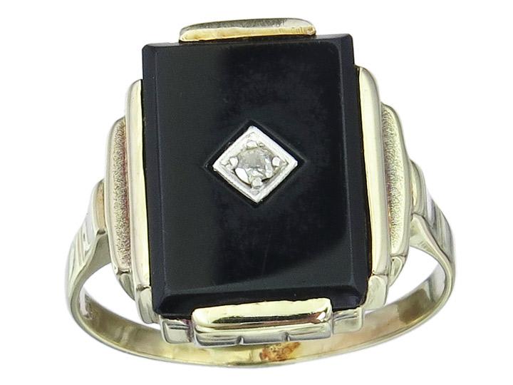 Ring Onyx Diamond 14 Karat Yellow Gold Art Deco approx. 1920