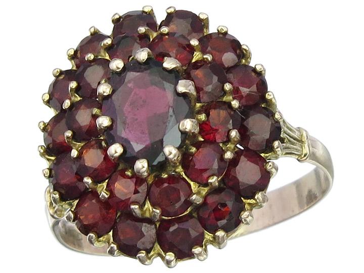 Ring Granate 333er Gelbgold
