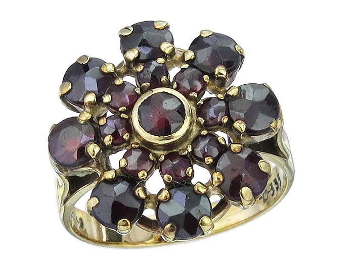 Ring Garnets 8 Karat Yellow Gold