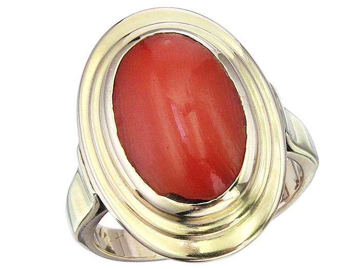 Ring Coral 14 Karat Yellow Gold
