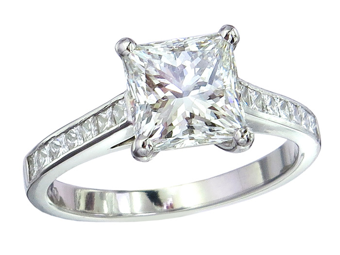 Ring Prinzess Schliff Diamant 2,13 Carat Platin Zertifikat
