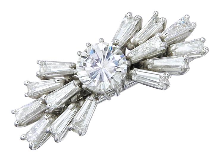 Brosche Schleife Brillant and Trapez Diamanten 750er Weissgold