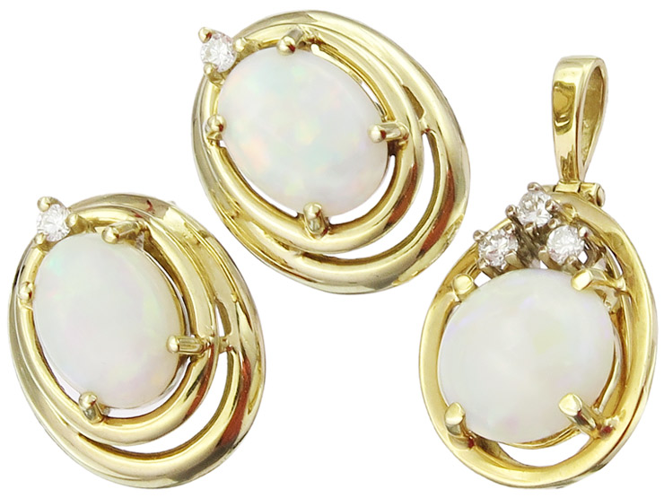 Jewelry Set Two-Part Opal Diamonds 14 Karat Yellow Gold